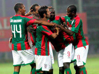 Reforços Edinho e Benachour convocados para jogo com Braga