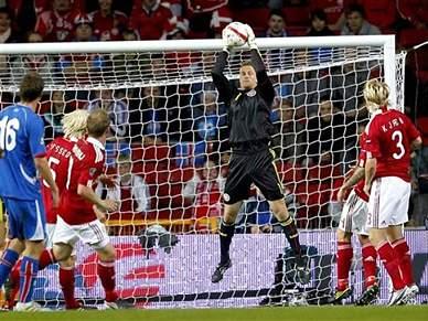 (Oficial) Lindegaard assina pelo Manchester