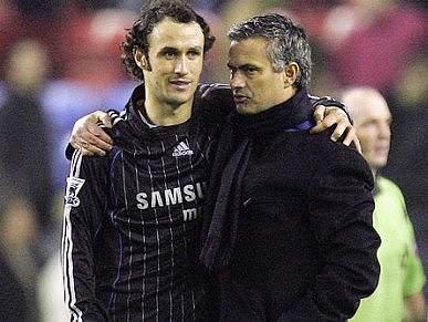 Ricardo Carvalho gostava de se reencontrar com Mourinho