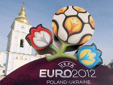 UEFA ameaça retirar organização à Ucrânia