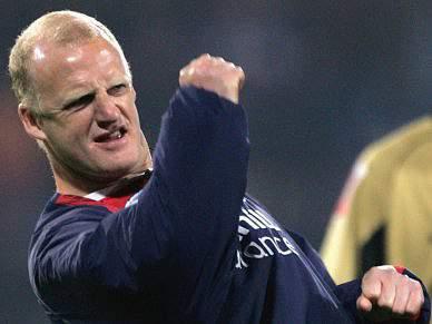 Iain Dowie nomeado treinador do Hull City
