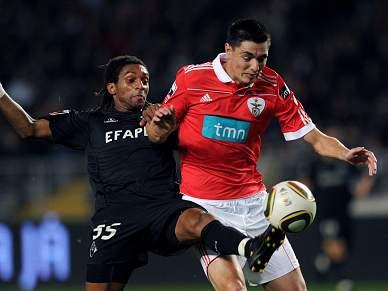 Benfica sofre para passar exame em Coimbra