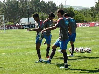 Ricardo Carvalho falha jogo com a Noruega