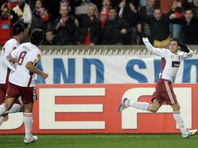 Benfica nos 'quartos' da Liga Europa