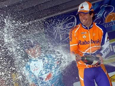 Terceira vitória de Oscar Freire na Milão-San Remo