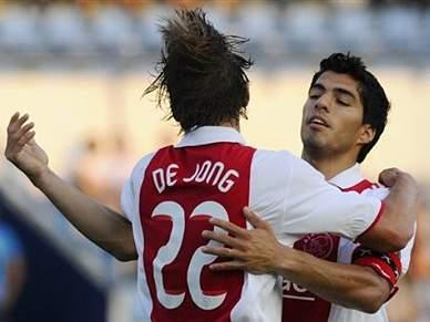 Twente e Ajax vencem e decidem título na última jornada