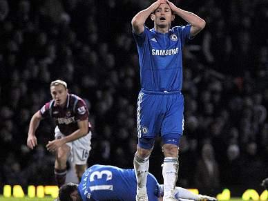 Chelsea escorrega em Blackburn