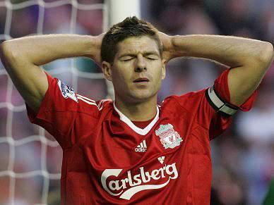Liverpool empata em Birmingham antes de receber Benfica