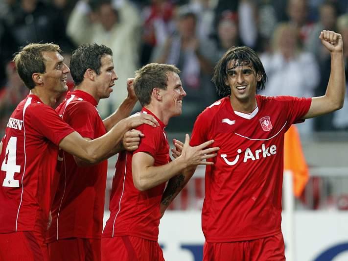Twente vence AZ Alkmaar