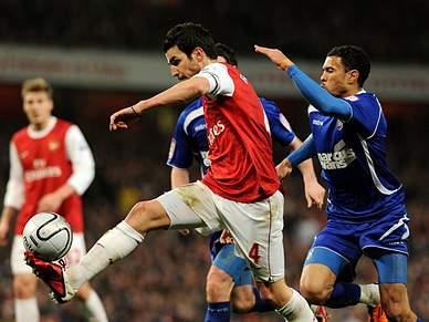 Arsenal é o primeiro finalista da Taça da Liga