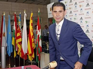 Hierro vai deixar cargo de director desportivo da federação espanhola