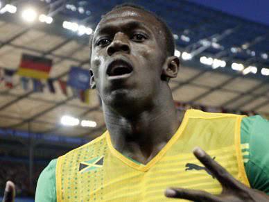 Bolt regressa às pistas
