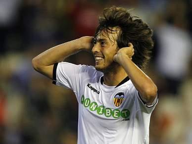 Barça pensa em David Silva para o lugar de Henry