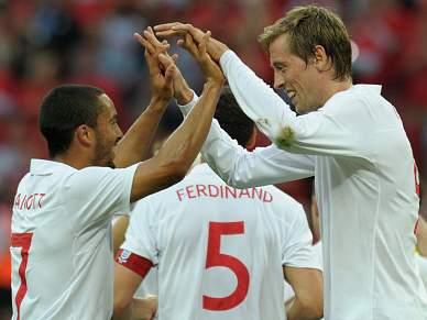 Inglaterra quer segurar primeiro lugar