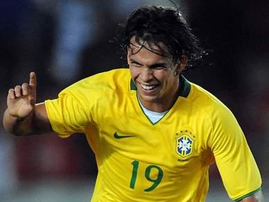 Sporting confirma Hildebrand e Tales de Souza