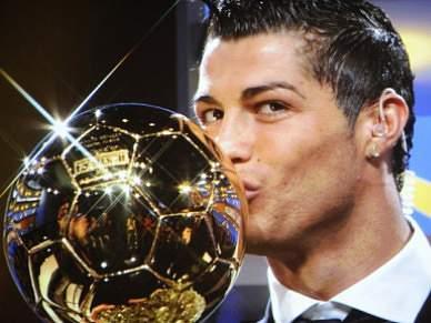 Ronaldo e Messi na lista dos 10 finalistas