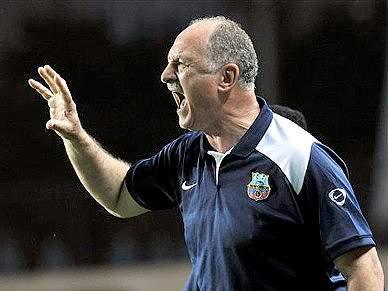 Scolari acusado de insultar árbitro