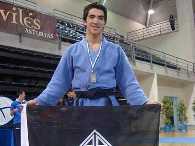 Morreu jovem internacional esperança Tiago Alves