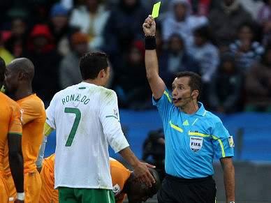FIFA recusa-se a comentar arbitragens