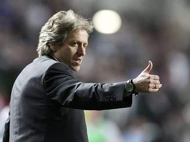Benfica equipara-se ao Inter de Mourinho