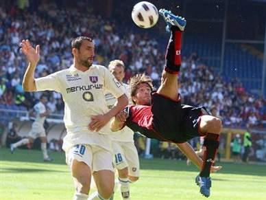 Chievo vence Génova e salta para a liderança