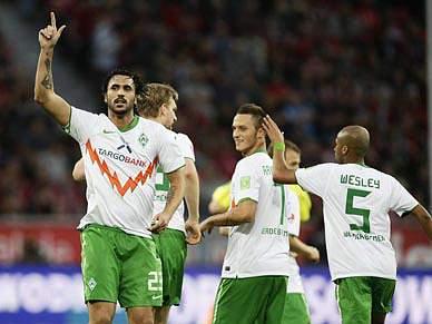 Werder Bremen quer segurar Hugo Almeida