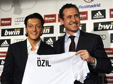 Özil entusiasmado por trabalhar com Mourinho