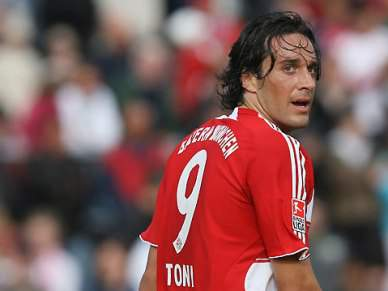 Luca Toni na rota do AS Roma