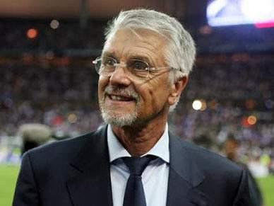 Aimé Jacquet com dúvidas sobre a selecção francesa