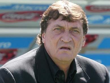Julio Cesar Falcioni é o novo técnico