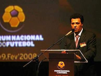 Júlio Vieira justifica suspensão com vontade de resolver problema dos estatutos