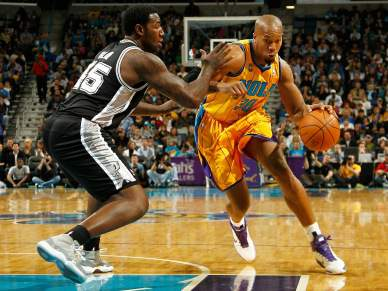 New Orleans Hornets surpreendem San Antonio Spurs
