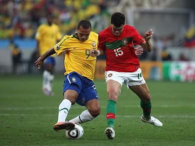 Duelo em português dá empate