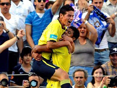 James Rodriguez marca no Dragão