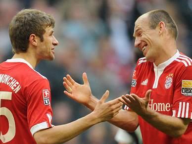 Líder Bayern cilindra Hannover, Hugo Almeida assina um golo