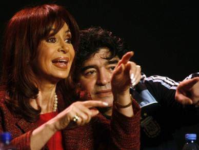 Presidente da Argentina manifestou apoio a Maradona e à selecção