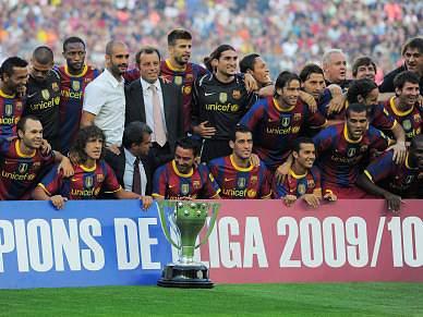 Barcelona homenageia campeões do Mundo
