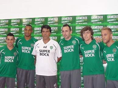 Paulinho junta-se ao grupo