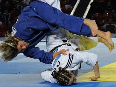Telma Monteiro vence e vai lutar pelo bronze