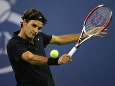 Federer sobe ao segundo lugar