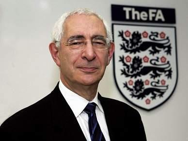 Presidente da candidatura inglesa à organização do Mundial de 2018 demitiu-se
