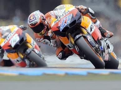 Stoner vence GP da França