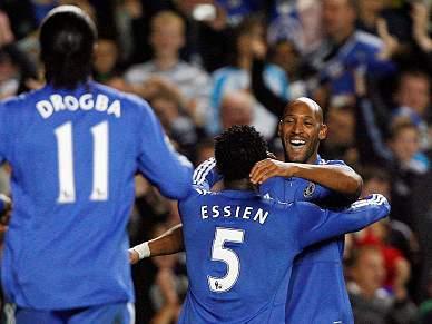 Chelsea goleia Blackburn e assume provisoriamente liderança