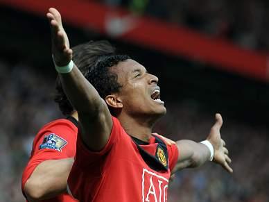 Nani fecha goleada do líder Manchester United