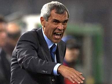 Racing Santander contrata o treinador Héctor Cúper