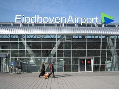 Benfica já está em Eindhoven