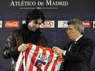 Atlético Madrid e Juventus negoceiam Tiago