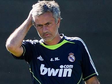 Real Madrid não liberta Mourinho