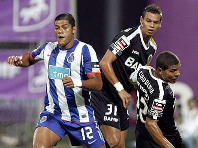 Nacional a um ponto de afastar FC Porto