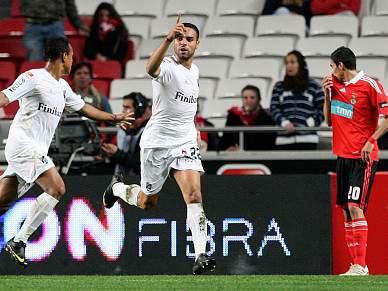 Guimarães elimina Benfica na Luz